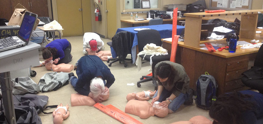 Wilderness First Aid class, CPR/AED class and emergency oxygen class in long island NY and Brooklyn NY